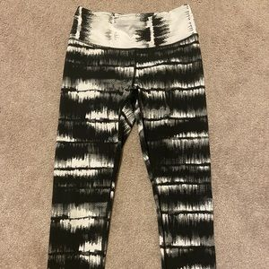 90 Degrees Crop Leggings